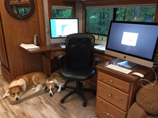 RV Living: A Fun Twist To Working From Home Online